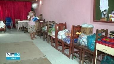 Projeto que leva comida para 300 famílias no Recife precisa de novas doações - Iniciativa que beneficia moradores do bairro da Mustardinha depende das doações para manter a ajuda para a comunidade.