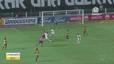 Santos goleia The Strongest e respira por classificação na Libertadores - Peixe fez cinco gols e vence a primeira no torneio.