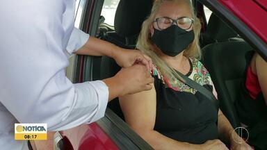 Pessoas com comorbidades começam a ser imunizadas em Montes Claros - Vacinação começou neste fim de semana.