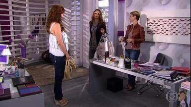 Luísa dá segunda chance para Desirée - Luísa coloca Dorinha como conselheira de Desirée