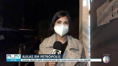 Justiça decide pela manutenção das aulas presenciais em Petrópolis, no RJ - Aulas na rede municipal pode continuar, segundo decisão da Justiça. Sindicato é contra.