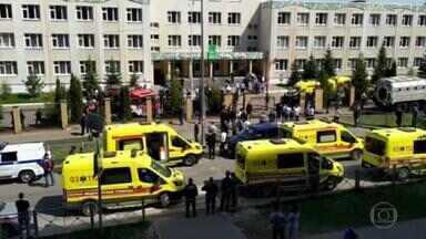 Nove pessoas morrem na invasão a tiros de uma escola na Rússia - Sete estudantes na faixa de 14 anos, uma professora e uma funcionária morreram quando um ex-aluno de 19 anos invadiu a escola na cidade de Kazan. Outras 21 pessoas ficaram feridas, algumas em estado grave.