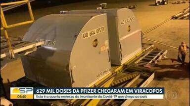 Novo lote da vacina da Pfizer chega ao aeroporto de Viracopos, em Campinas - Esta é a quarta remessa do imunizante da Covid-19 que chega ao país.