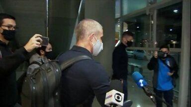 Sylvinho chega ao Brasil para treinar o Corinthians - Sylvinho chega ao Brasil para treinar o Corinthians