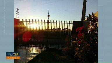 Telespectadores fazem imagens do amanhecer gelado desta terça-feira - Os vídeos foram enviados para o telefone (45) 9 9951-5958