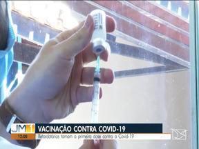 Retardatários tomam a primeira dose da vacina contra Covid-19 em Imperatriz - Vacinação contra Covid-19.