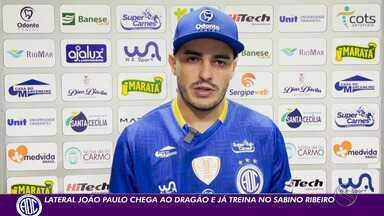 João Paulo é apresentado oficialmente no Confiança - Jogador chega ao Sabino Ribeiro com status de especialista em acessos para a Série A.