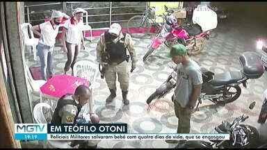 Policial militar salva criança engasgada em Teófilo Otoni - A ação foi registrada por câmeras de segurança.