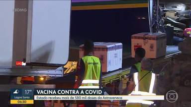 60 mil doses de Pfizer devem chegar hoje em Minas - As 580 mil doses de Astrazeneca recebidas ontem à noite serão encaminhadas para os postos nesta sexta-feira.