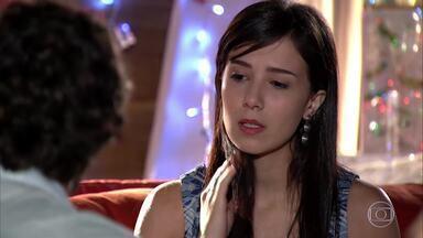 Manuela avisa a Rodrigo que se mudará para Florianópolis - Rodrigo tenta convencer Manu de ficar