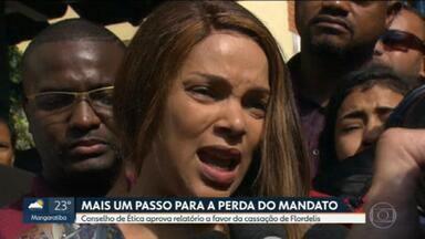 Conselho de Ética da Câmara aprova cassação do mandato da deputada Flordelis - Parlamentar é acusada da mandar matar o marido, o pastor Anderson do Carmo.