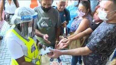 Fiocruz distribui máscaras em trens do Rio - Lotação no transporte público preocupa na pandemia.