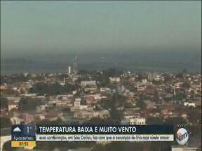 Temperatura baixa e vento aumentam a sensação de frio em São Carlos - Veja os motivos dessa sensação térmica.