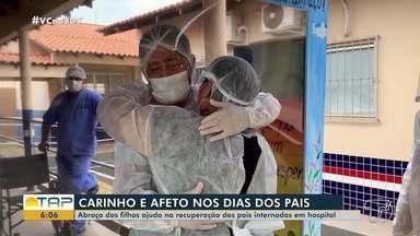 'Cabine' adaptada permite reencontro de pais e filhos em hospital de Santarém - Pais estão internados tratando Covid-19.