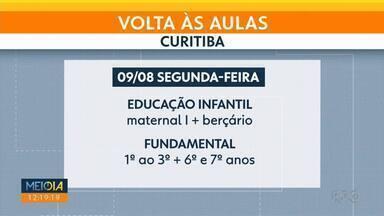 45 mil alunos voltam hoje ao modelo híbrido de ensino em Curitiba - Os alunos foram divididos em dois grupos e passam a frequentar as escolas em semanas alternadas