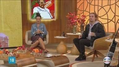 Programa de 09/08/2021 - Fátima Bernardes recebe a medalhista olímpica Ana Marcela Cunha e o cantor Vitor Kley no estúdio do 'Encontro'. Atleta de arremesso de peso, Darlan Romani conversa com a apresentadora por vídeo. Rossandro Klinjey fala sobre a importância da saúde mental dos atletas