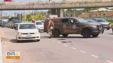 Uma pessoa fica ferida após perseguição na Av. Paralela, em Salvador - Caso ocorreu nesta segunda-feira (9), próximo a entrada do CAB.
