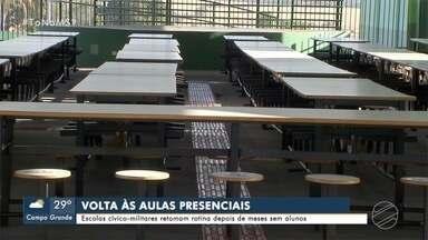 Volta à rotina também é preocupação nas escolas cívico-militares de MS - Alunos voltaram às aulas presenciais no começo de agosto