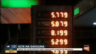 Postos de combustível de SC repassam reajuste da Petrobras - Postos de combustível de SC repassam reajuste da Petrobras
