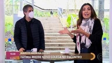 Fátima Bernardes surpreende Marcos Mion antes da chegada dele ao 'Encontro' - Apresentadora surpreence Mion na praça de alimentação dos Estúdios Globo. Marcos Mion confessa que está 'surtado' por realizar o sonho de estar na Globo