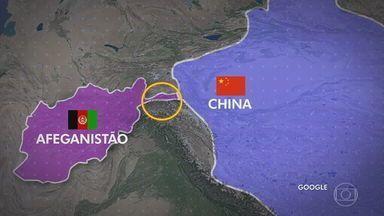 Saída dos EUA do Afeganistão abre espaço para países ganharem poder no cenário geopolítico - A China foi um dos poucos países que não se manifestaram contrários à volta do Talibã. O país tem interesses específicos no Afeganistão, com quem compartilha a fronteira de pouco mais de 70 quilômetros.