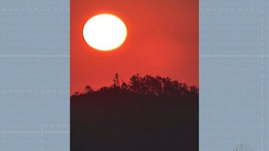 Meteorologista explica cor alaranjada do sol e da lua - Apesar de bonito, essa cor representa um alerta para a nossa saúde.