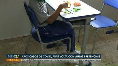 Apae de Cascavel volta com aulas presenciais após casos de Covid-19 - Cerca de 50 alunos retornaram para as salas de aula nesta segunda-feira (13).