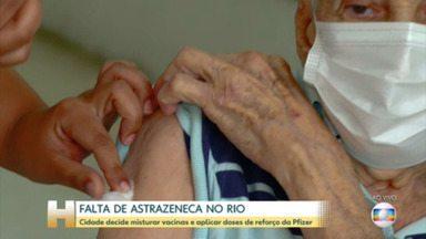Idosos com 95 anos ou mais começam a tomar dose de reforço no Rio e AstraZeneca está em falta na cidade - Entrega da AstraZenca começa a ser normalizada a partir de terça (14). Quem está com a primeira dose atrasada pode receber a vacina da Pfizer. `