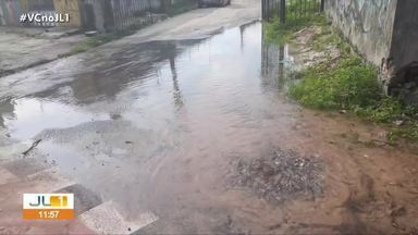 Moradores denunciam vazamento de água e lixo acumulado na av. Pedro Álvares Cabral - Moradores denunciam vazamento de água e lixo acumulado na av. Pedro Álvares Cabral.