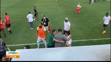 Botafogo vence disputa contra Manaus e partida termina com confusão no campo - O jogo aconteceu em terras amazonenses