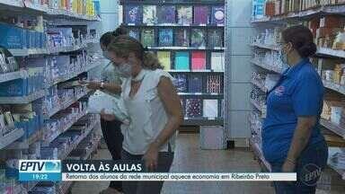 Retorno do ensino presencial na rede municipal aquece economia em Ribeirão Preto, SP - Comerciantes se sentem otimistas com a retomada das atividades.