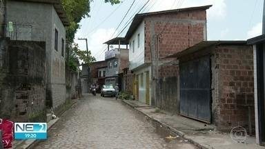 Polícia investiga morte de criança atingida por disparo de espingarda - Tiro teria sido efetuado sem querer por outra criança de 11 anos em Sítio dos Pintos, no Recife
