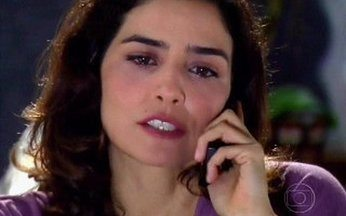 Yvone mente para Silvia - Ela diz a amiga que vai à Espanha e pede para ela assinar uma procuração para tratar de seus assuntos.