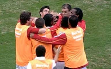 O gol de Corinthians 0 x 1 Internacional pela 1ª rodada do Brasileirão 2009
