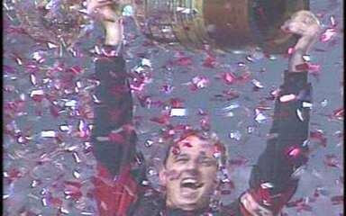 Luizão e Amoroso marcam, São Paulo goleia Athletico por 4 a 0 e é campeão da Libertadores em 2005