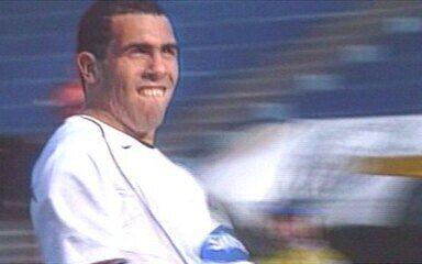 Em 2005, Corinthians goleia Santos por 7 a 1 pelo Brasileirão