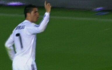 Cristiano Ronaldo fez o gol do título da Copa do Rei 2010/11 sobre o Barcelona com uma linda cabeçada