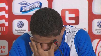 Douglas Santos se emociona com convocação para a Seleção