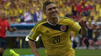 Gol da Colômbia! James Rodríguez rouba a bola e Quinteros marca aos 24 do 2º tempo