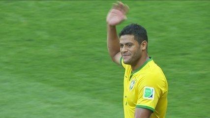 Não valeu! Hulk entra na área e marca, mas árbitro aponta toque de mão aos 9 do 2º tempo