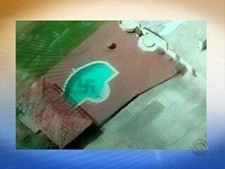 Piloto registra piscina com suástica no Vale do Itajaí