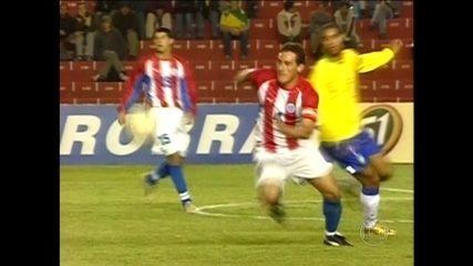 Relembre quem foi Carlos Gamarra, zagueiro da seleção paraguaia