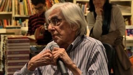 """Ferreira Gullar relembra origens na obra """"Autobiografia poética"""""""