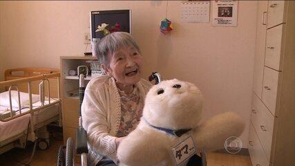 Robôs deixam o dia a dia de idosos mais fácil e seguro no Japão