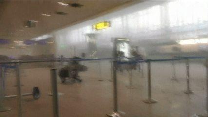 Imagens mostram destruição em aeroporto na Bélgica após atentado
