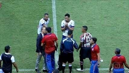 Milton Mendes se desculpa por agressão a auxiliar técnico do Bahia
