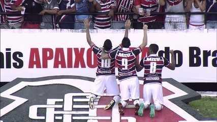 Grafite marca dois e Keno um em goleada do Santa Cruz sobre o Vitória, pelo Brasileiro de 2016