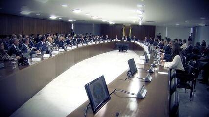 Especialistas comentam o acordo da dívida dos estados