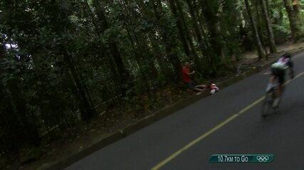 Holandesa que liderava prova de ciclismo de estrada sofre acidente