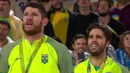 Alison e Bruno conquistam o terceiro ouro olímpico do Brasil no vôlei de praia
